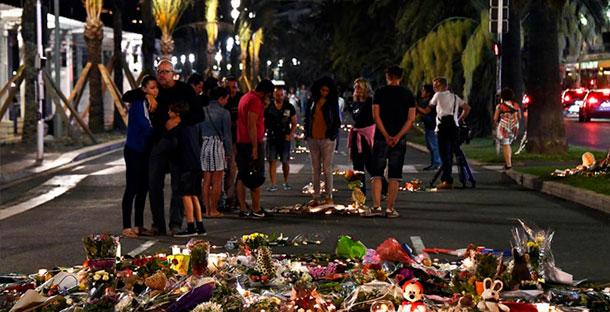 Le parquet de Paris demande en urgence le retrait de Paris Match à cause des images de l'attentat de Nice