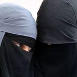 Deux niqabées distribuent des tracts appelant au 'Djihad' contre les forces de l'ordre au Kef