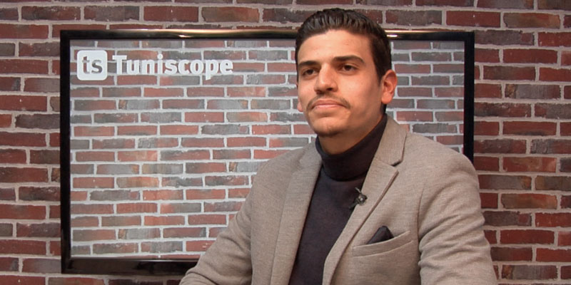 En vidéo : L'animateur de radio Oussama Chaouali présente la nouvelle rubrique de son émission CHABEBCOM