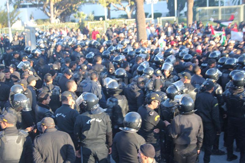 بالصور: مسيرة حاشدة نصرة للقضية الفلسطينية بتونس العاصمة