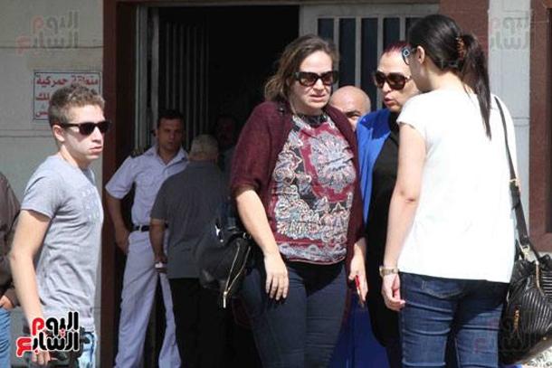 En photos : Les familles des passagers du vol d'Egyptair à l'aéroport du Caire
