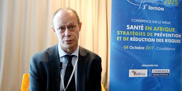 Dr Patrick Vanscheeuwijck explique l'approche des Produits alternatifs à risque réduit pour les fumeurs adultes