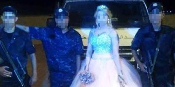 Photo du jour : Elle célèbre son mariage avec ses camarades d'interventions sur terrain