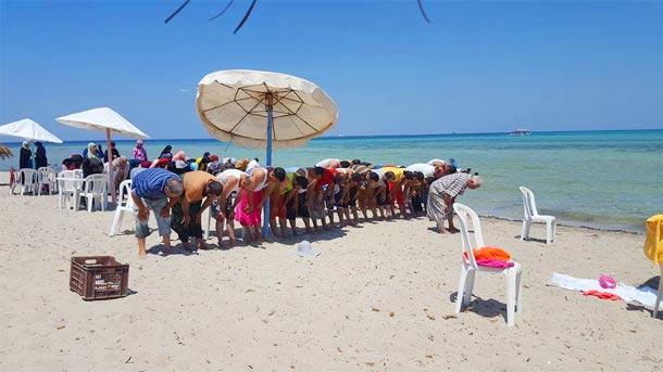 Photo du jour : Des plages sans bikinis pour un tourisme islamique