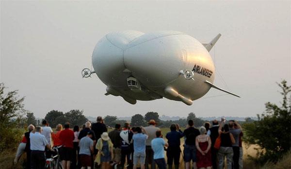 في رحلة تجريبية: تحطم أكبر طائرة في العالم ''البومة''