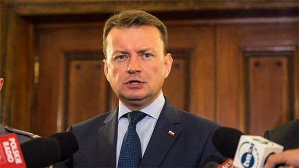 وزير داخلية بولندا: لا نتعرض لهجمات إرهابية لأننا رفضنا استضافة المهاجرين