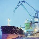 السيطرة على حريق نشب بحاويتين في ميناء رادس