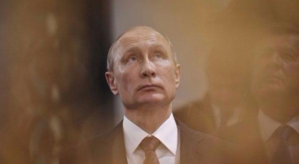 بوتين يفتتح نصباً تذكارياً للقيصر ألكسندر الثالث في القرم