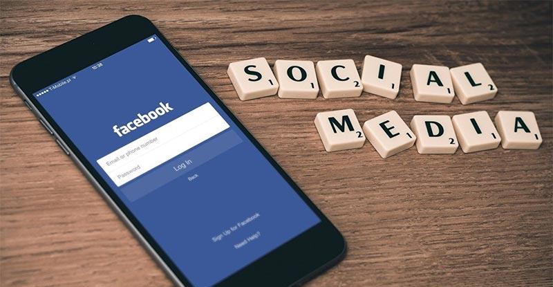الفيسبوك يدفع للمستخدمين مقابل مشاهدة الإعلانات