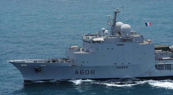 مناورات بحرية قطرية فرنسية