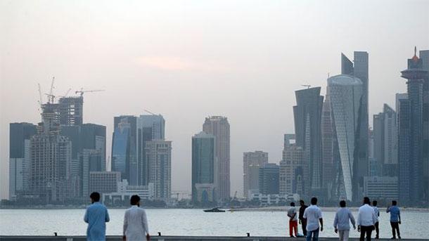 L'économie du Qatar subit la crise, mais reste robuste