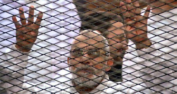 السجن المؤبد لمرشد الإخوان بمصر و35 آخرين في قضية عنف