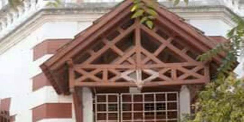 Radès : le lycée Mongil, un édifice architectural qui risque de s'effondrer