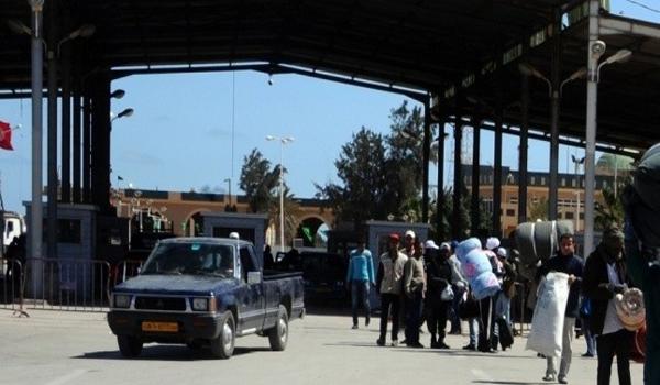 معبر الذهيبة: منع تونسيات من إدخال سلعهن من ليبيا