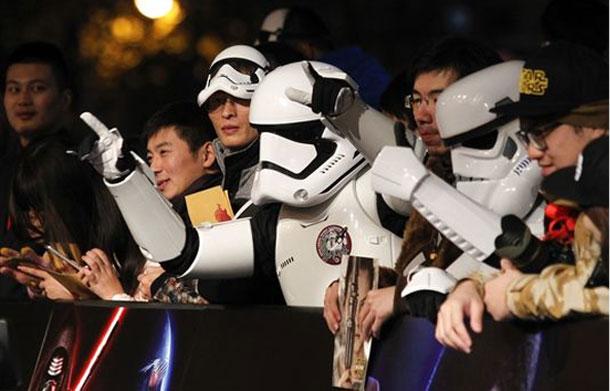 Le nouveau Star Wars bat tous les records avec 1 milliard de recettes mondiales en 12 jours