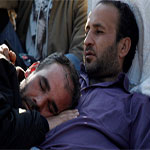 Des syriens et palestiniens réfugiés en Égypte font une grève de la faim