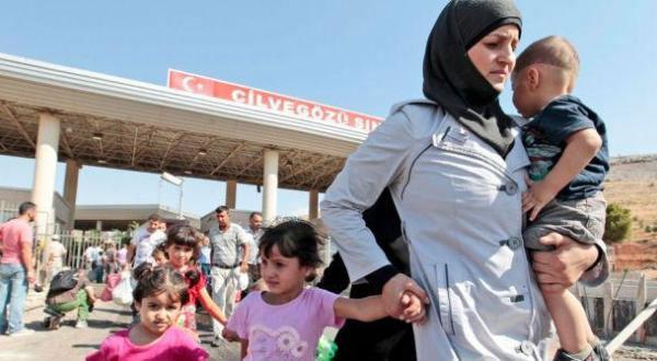 أهالي بلدة إيطالية يُجبرون 12 لاجئة على الخروج من مدينتهم