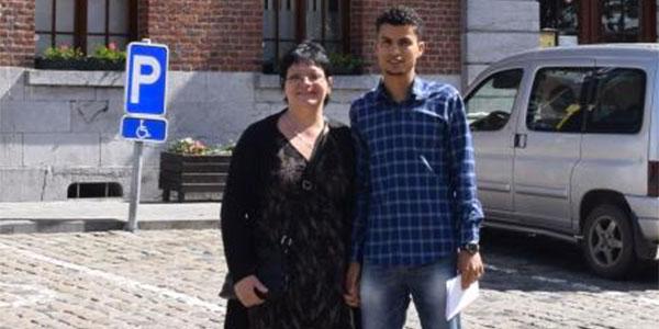 Claudine de 50 ans veut épouser Sofiene de 25 ans, mais la commune le lui refuse