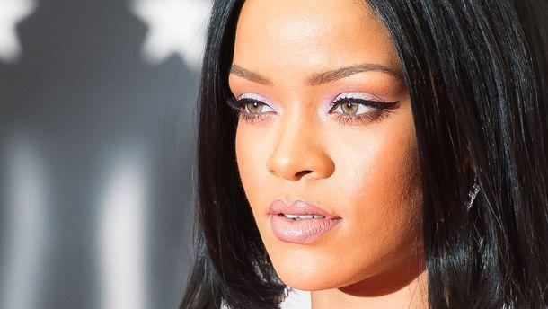 En photos…La tenue étrange de Rihanna au festival Coachella :  Top ou flop ?