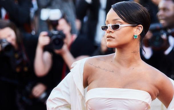 En photos-Festival de Cannes 2017 : Rihanna fait sensation dans une robe bustier blanche…