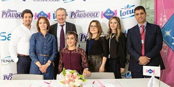 En photos : La championne Raoua Tllili signe avec Sancella