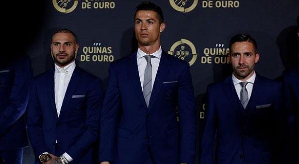 رونالدو يتوج بجائزة أفضل لاعب برتغالي لعام 2016