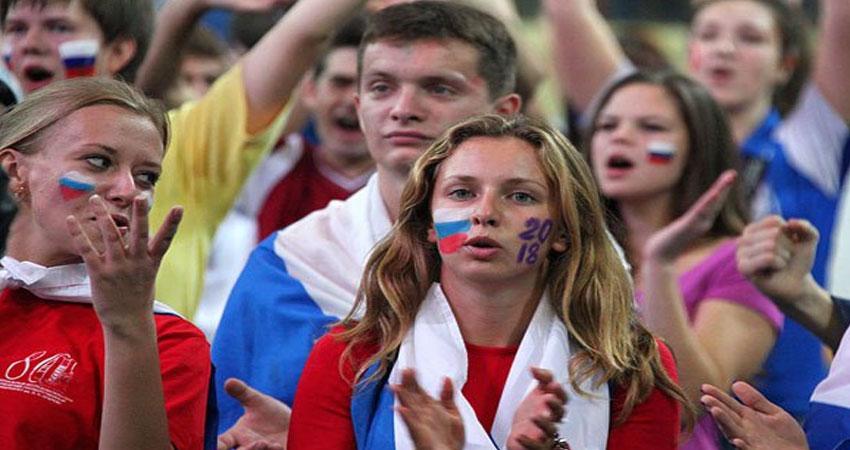الكرمين يدعو الروسيات إلى تجنب العلاقات الحميمة مع ضيوف المونديال