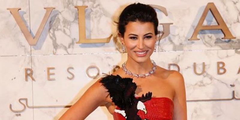 En photos : Rym Saidi fait sensation à Dubaï dans une jolie robe signée Hussein Bazaza