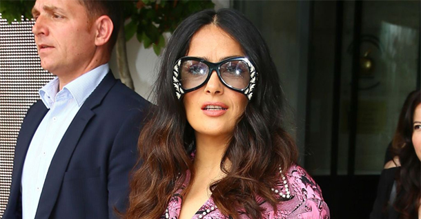 En photos…Le pyjama de Salma Hayek à Cannes : Top ou flop ?