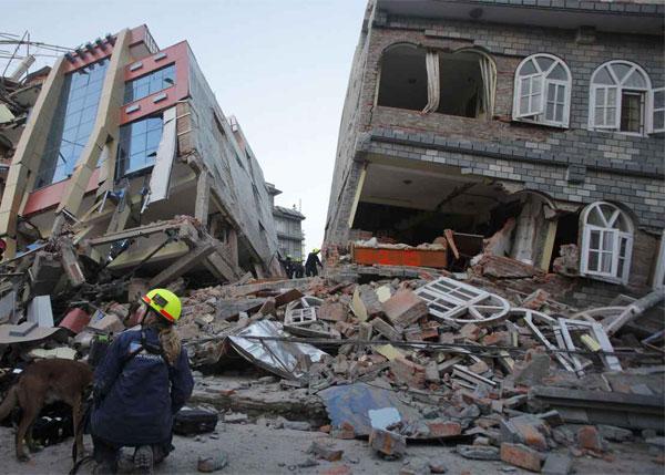 كينيا: انتشال رضيعة حية بعد ثلاثة أيام من انهيار مبنى