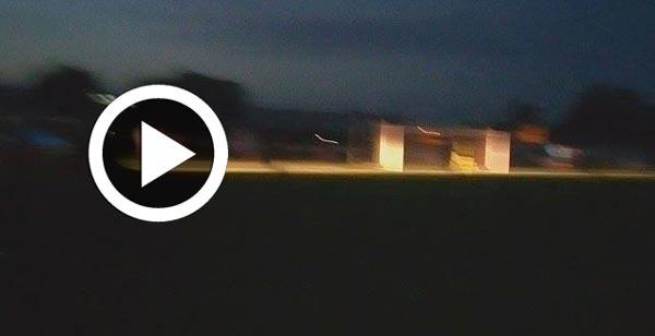 En vidéo : Quand il fait nuit, l'arbitre fait venir une ambulance pour terminer le match