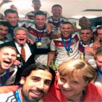Le selfie du soir : L'équipe d'Allemagne autour de Merkel et Gauck