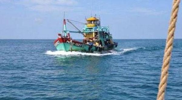 القبض على 14 صيادا مصريا بالمياه الإقليمية قبالة ميناء صفاقس