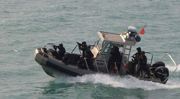 جيش البحر ينقذ 18 تونسيّا عرض البحر