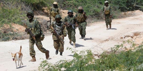 Somalie: 13 tués dans un double attentat suicide des shebab à Mogadiscio