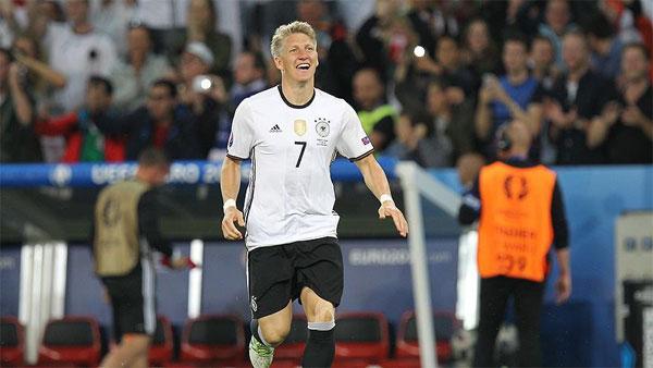 بعد 120 مباراة.. الألماني شفاينشتايجر يعتزل اللعب الدولي