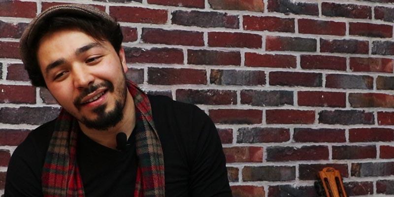 Sa carrière, sa collaboration avec Maia Darme et ses nouveaux projets…le chanteur Mohamed Ben Slama se confie