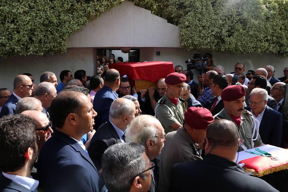 بالصّور : خروج جثمان سليم شاكر من منزله بدار فضّال