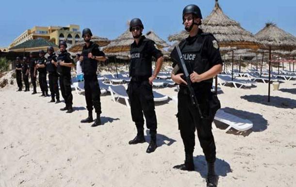 بسبب تحذيرات الإرهاب: تونس ومصر تفقدان السياح البريطانيين