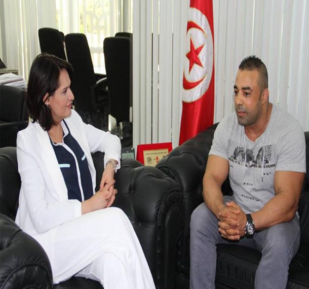 وزيرة الشباب تستقبل نعيم البرهومي بطل العالم في رياضة كمال الأجسام