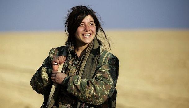 En photos : En Syrie,  des combattantes arabes défient Daech