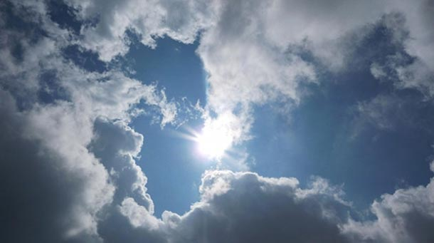 Météo du Week-end : Des passages nuageux avec pluies isolées et localement orageuses, demain