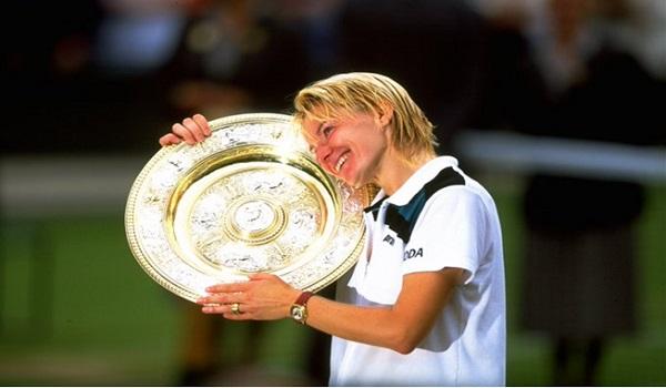 Mort de l'ex-joueuse de tennis tchèque Jana Novotna emportée par un cancer