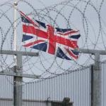 محتال يتصل برئيس الوزراء البريطاني.. واستنفار بمقر الاتصالات الحكومية التجسسي
