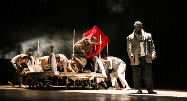 المسرحية الإماراتية لا تقصص رؤياك