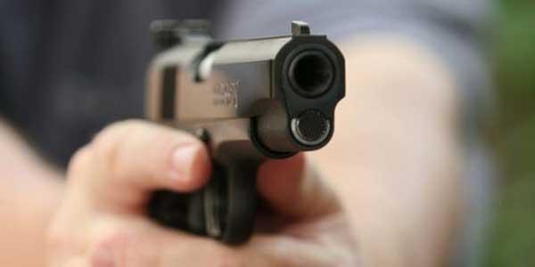 اصابة مهرّب بطلق ناري بالمنطقة العازلة رفض الإمتثال لإشارات التوقّف