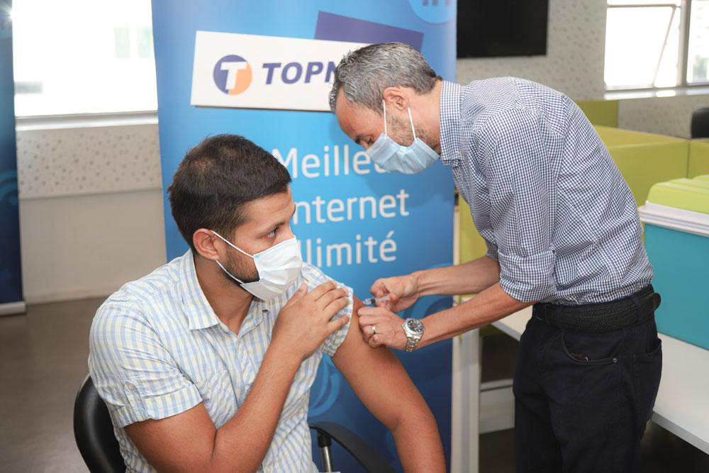 En photos : Campagne de vaccination pour le personnel TOPNET