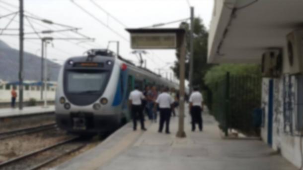 Un jeune homme poignardé dans le train de la banlieue Sud