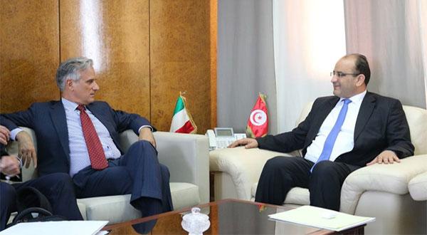 جلسة عمل مع شركة تونس للشبكة الحديدة السريعة و شركة 'تكنيك'الإيطالية