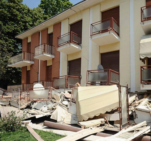 ارتفاع حصيلة ضحايا زلزال إيطاليا إلى 120 قتيلا